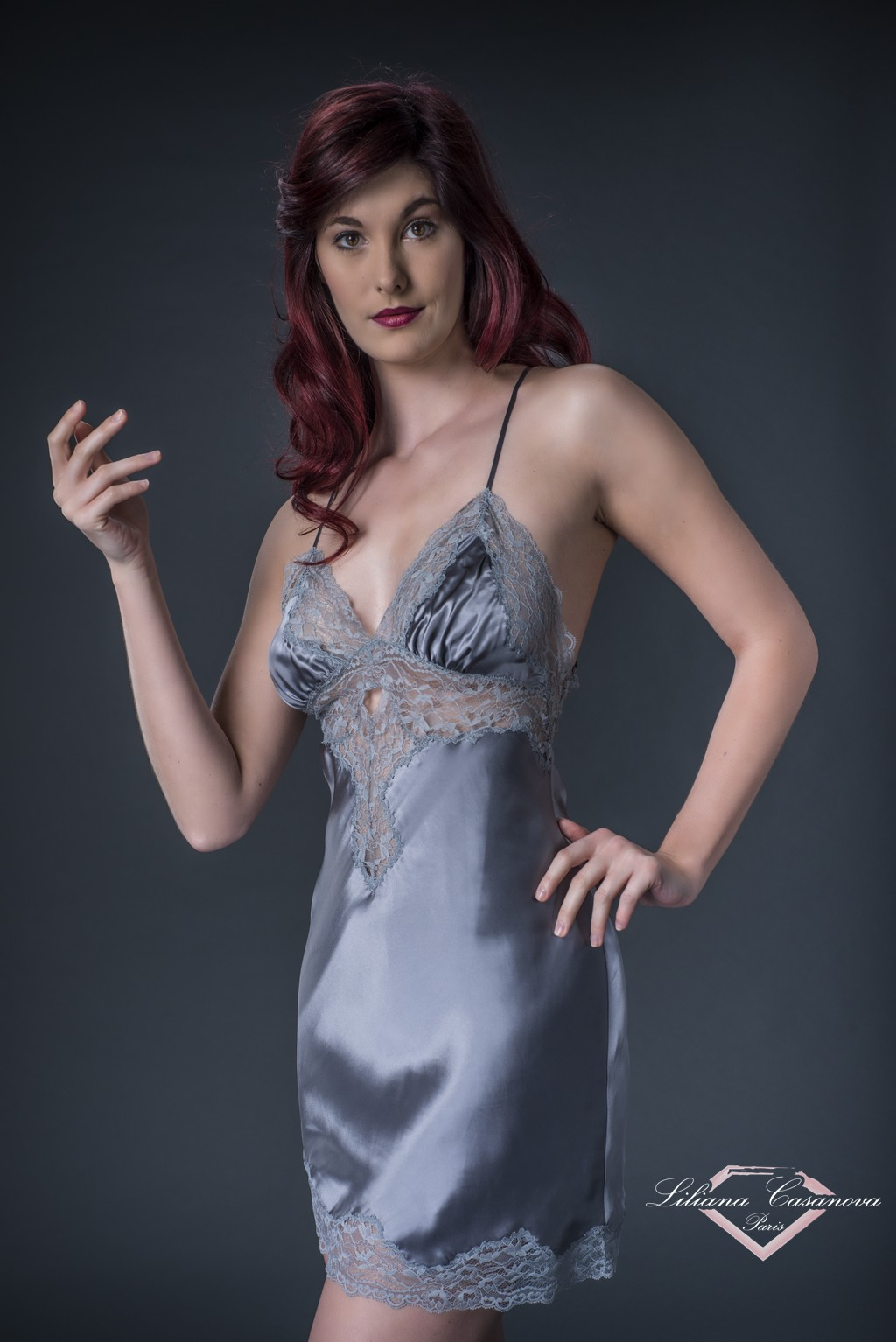 Slip Or Short Nightie  – Contemporaine